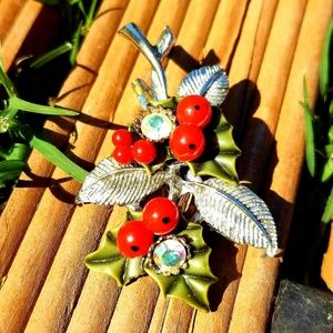 Vintage 50's Holly Berry Leaf Silver-Toned Brooch